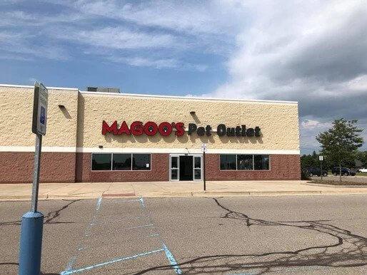 Magoos Pet Outlet Storefront